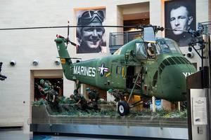 Marines landing in Vietnam