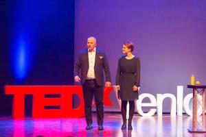Martine van der Meijden und Gijs Hillmann at TEDxVenlo 2017