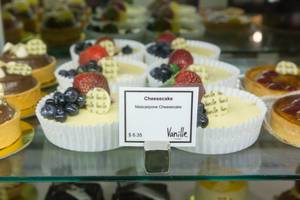Mascarpone cheesecakes at Chicago French market