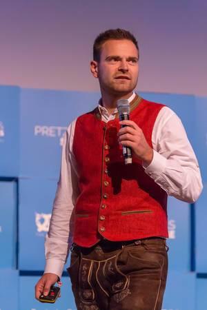 Maximilian Schmidt giving a speech
