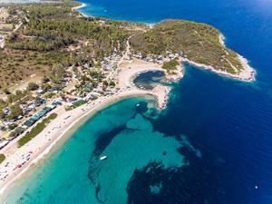 Meer, Strand und der Campingplatz Camping Paliouri aus der Luft fotografiert