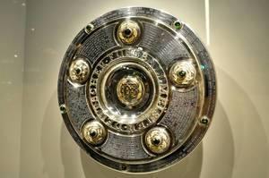 Meisterschale Fußball-Bundesliga