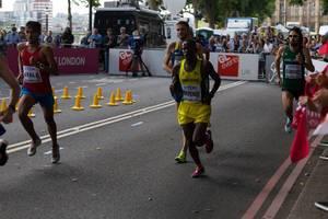 Millen Matende und weitere Läufer (Marathon Finale) bei den IAAF Leichtathletik-Weltmeisterschaften 2017 in London