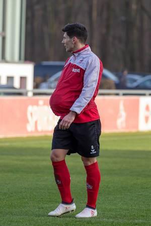 Milos Jojic erlaubt sich einen Spaß beim Training