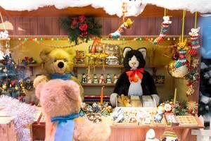 Mini-Stand mit Plüschtieren, Spielzeug und Weihnachtsdeko