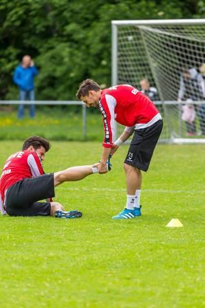 Mladenovic und Jojic mit Spaß beim Training