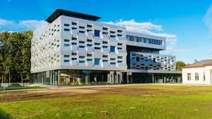 Modern Library building / Modernes Bibliotheksgebäude