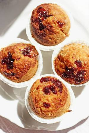 Muffins mit Fruchtfüllung