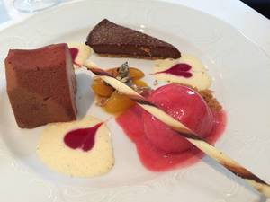 Nachtisch: Sorbet mit Schokoladenkuchen