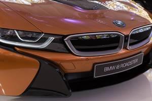 Nahaufnahme der Front des BMW i8 Roadsters