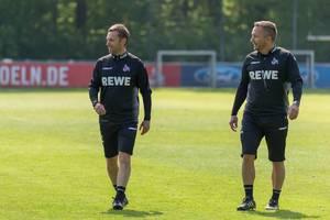 Nahaufnahme der neuen Fußballtrainer des 1. FC Köln André Pawlak und Manfred Schmid am Übungsplatz am Clubhaus Geißbockheim