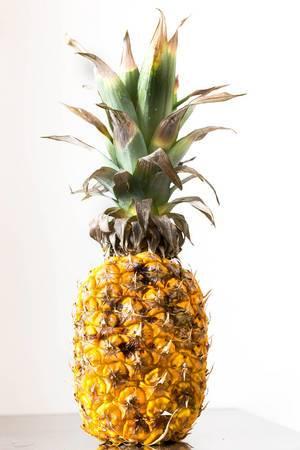Nahaufnahme einer reifen Ananas