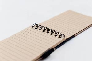 Nahaufnahme eines kleinen Notizbuchs