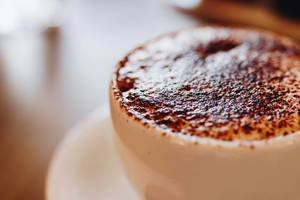Nahaufnahme vom Cappuccino-Schaum