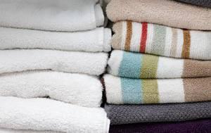 Nahaufnahme von gefalteten Handtüchern