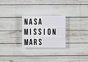 """NASA-Mission """"Maulwurf"""" soll Loch in Mars hämmern"""