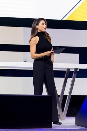 Nazan Eckes als prominente Moderatorin auf der Digital X in Köln