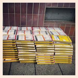 Neue Telefonbücher, wie nützlich. #nopaper #bccgn13 #RettetDieEichhörnchen
