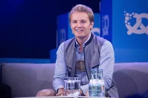 Nico Rosberg auf der Interview-Couch auf der Bühne