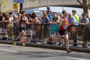 Nicolas Besson und Tom Aldred beim London Marathon 2018