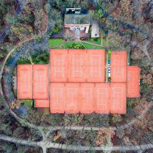 Not my sports. ?? #thisiscologne #koellelive #tennis #dronestagram #drone #droneoftheday #droneporn