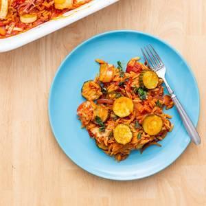 Nudelauflauf mit Gurken und Zucchini