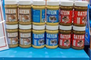 Oatein Erdnussbutter in verschiedenen Geschmacksrichtungen