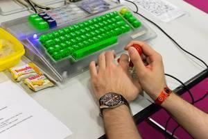 Old-School Joystic-Kontroller für Retro-Gaming - Gamescom 2017, Köln