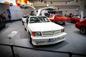 """Oldtimer SGS Gullwing Mercedes-Benz 500 SEC  auf der Ausstellung """"Die Wilden 70er"""""""