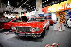 """Oldtimer von 1975 Ford Gran Torino """"Starsky & Hutch"""" auf der Ausstellung """"Die Wilden 70er"""""""