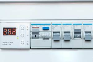 On and off the fuse at the home fuse box