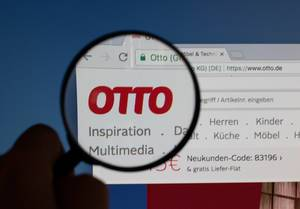 Otto logo on a computer screen with a magnifying glass