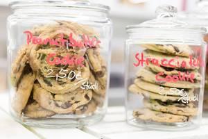 Peanut butter cookie and Stracciatella cookie