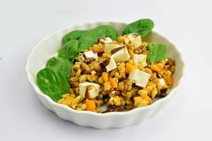 Pearl barley with feta cheese and spinach