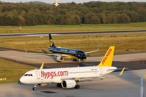 Pegasus Airbus A320neo und Eurowings BVB am Flughafen Köln / Bonn, CGN
