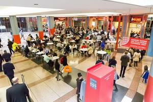 People eating at the shopping mall