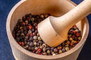Pepper mixture in a mortar