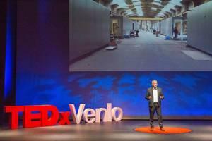 Peter Broekman spricht über das Wohnproblem beim TEDxVenlo 2018
