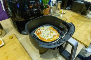 Philips Airfryer XXL with Smart Sensing Technology to Smart Sensing technology for homemade food
