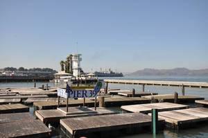 Pier 39 im Hafen von San Francisco mit Liegeplätzen für Seelöwen