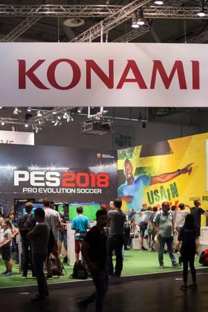 Plakat von Konami bei der Gamescom 2017