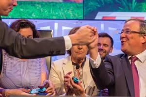 Politicians playing Super Mario Party at Gamescom