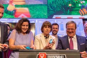 Politiker spielen auf der Nintendo Switch