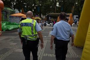 Polizeibeamten beim Kölner Chinafest 2017