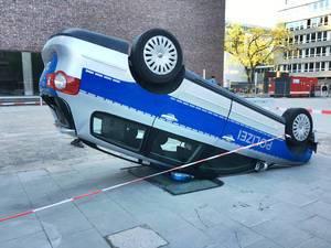 Polizeiwagen Unfall