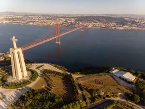 Ponte 25 de abril Brücke in Almada Lissabon