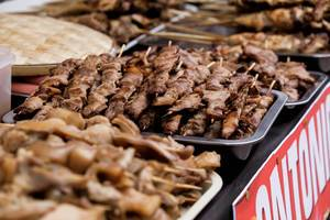 Pork barbeque displayed on a tray