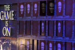 Portraits von Toten an der Wand. Gamescom 2018