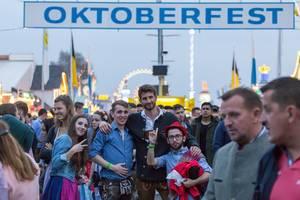 Posieren in Lederhosen - Oktoberfest 2017