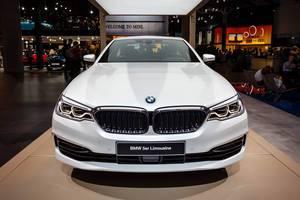 Präsentationsstand der neuen 5er Limousine von BMW bei der IAA 2017
